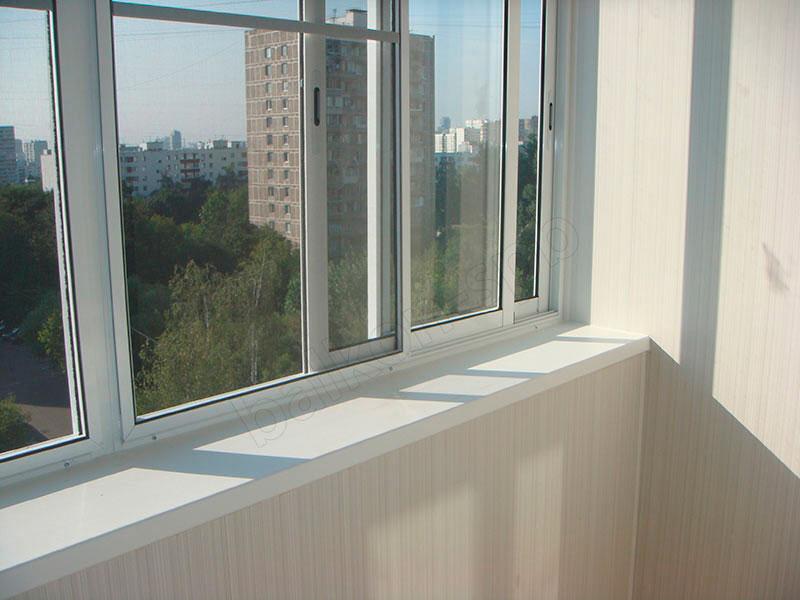 Алюминиевое остекление балкона.