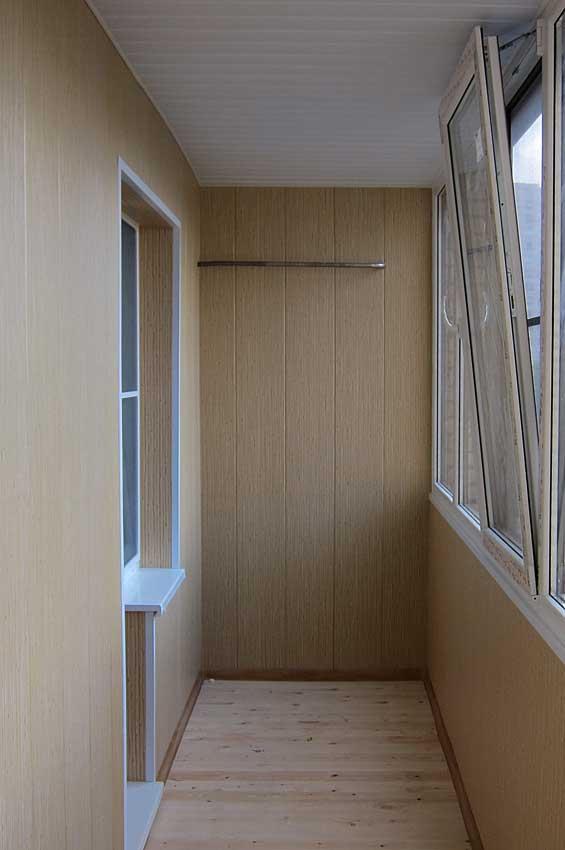 Отделка балкона пвх панелями фото.